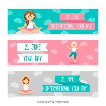 Bandiere di giorno yoga con le donne fare esercizio