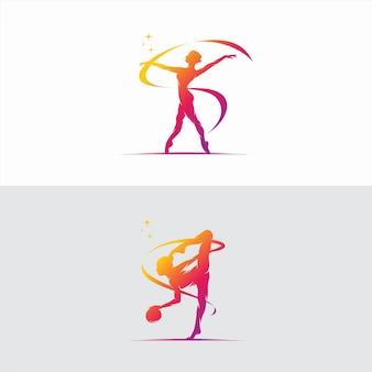 La giovane donna della ginnasta balla con il logo del nastro Vettore Premium