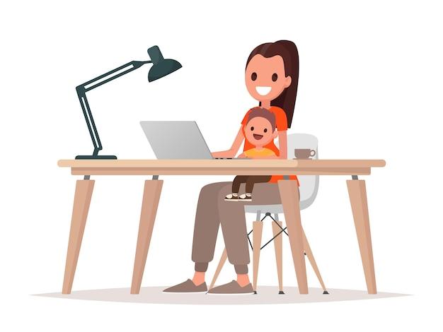 La giovane madre si siede con un bambino e lavora a un computer portatile. madre libera professionista, lavoro a distanza a casa e crescita di un figlio. in stile piatto