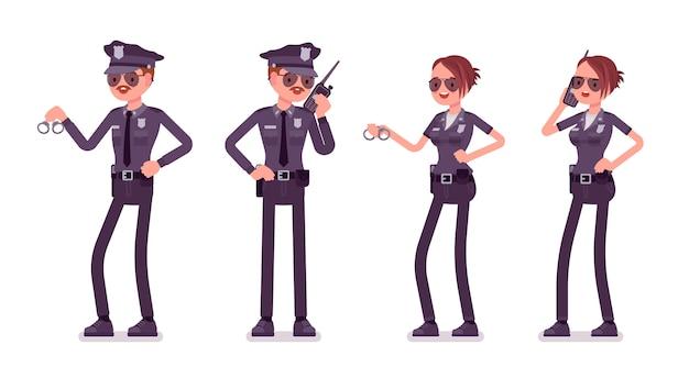 Giovani agenti di polizia che lavorano