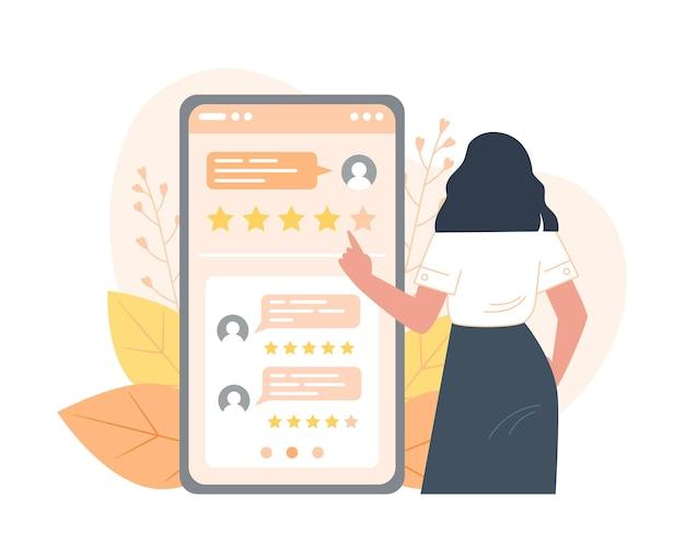 Giovane donna che fornisce feedback utilizzando l'app mobile, recensioni sullo schermo dello smartphone