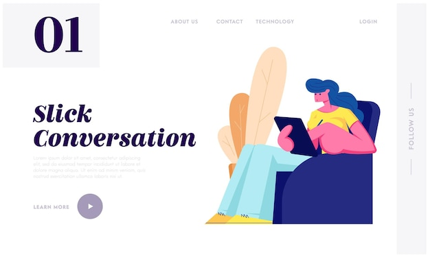 Giovane donna che si siede sulla poltrona con tablet nelle mani che comunica con gli amici nelle reti di social media tramite internet. pagina di destinazione del sito web di chat, pagina web. illustrazione di vettore piatto del fumetto