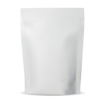 Custodia con cerniera. sacchetto di caffè in plastica mock up, confezione di alluminio vuota su bianco. illustrazione del pacchetto di tè isolato. bustina flessibile realistica, pasta o involucro di fiori