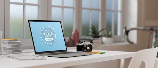 3d-weergave van laptop met mockup-scherm
