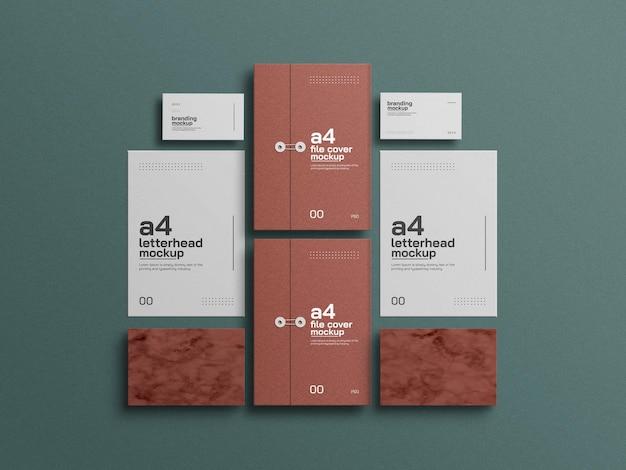 A4 kraftpapier omslag met visitekaartje mockup