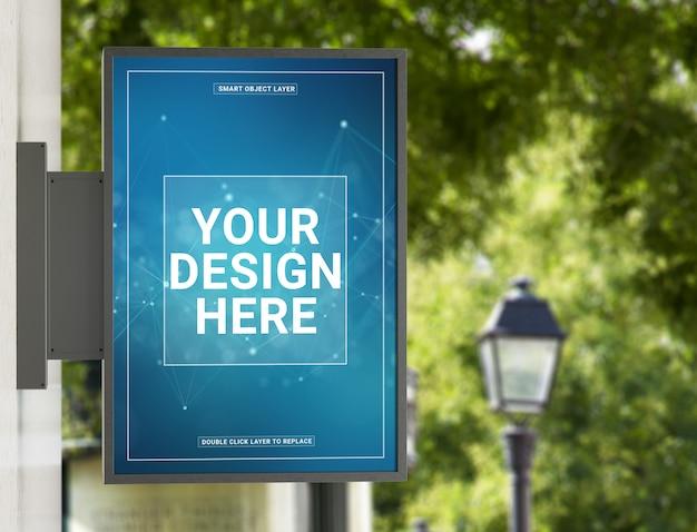 Aanplakbord in een stad met natuurlijk landschapsmodel