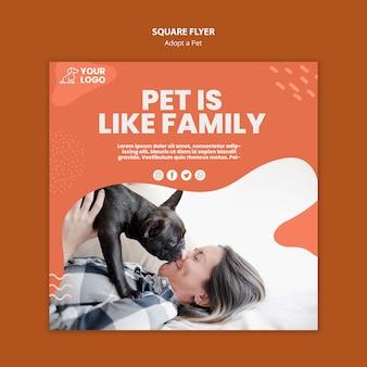 Adopteer een vierkant flyerontwerp voor huisdieren