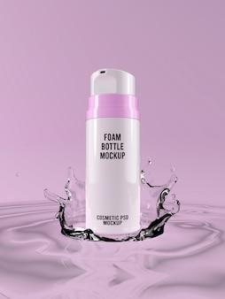 Affronti il modello della bottiglia di schiuma sulla spruzzata rosa 3d dell'acqua del fondo
