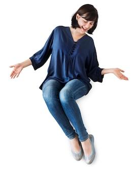 Aislado feliz y alegre mujer sentada