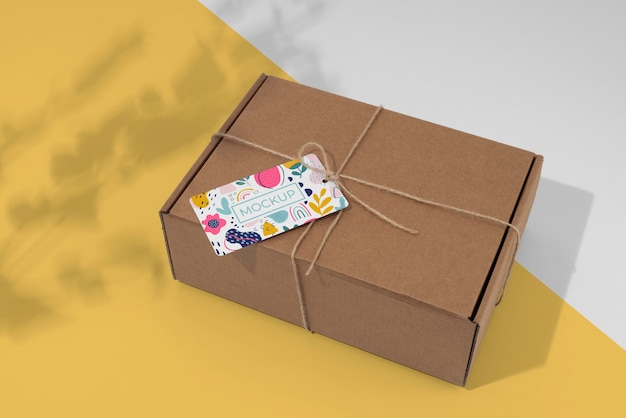 Arrangement met mock-up voor ambachtelijke dooslabels