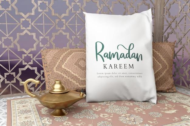 Arreglo islámico de año nuevo con almohada y lámpara dorada