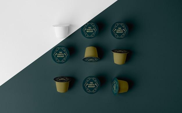 Arreglo de maqueta de elementos de cafetería.