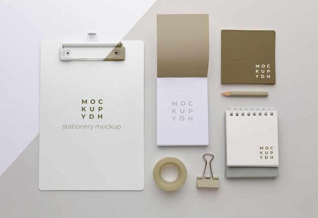 Arreglo de maqueta de papelería moderna