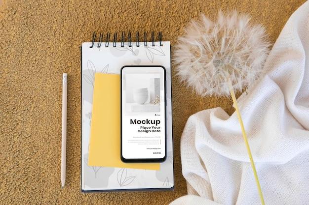 Arreglo moderno de maquetas de teléfonos inteligentes