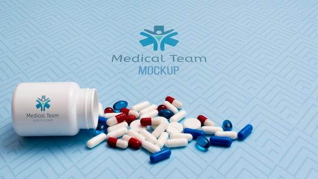 Arreglo de pastillas con contenedor