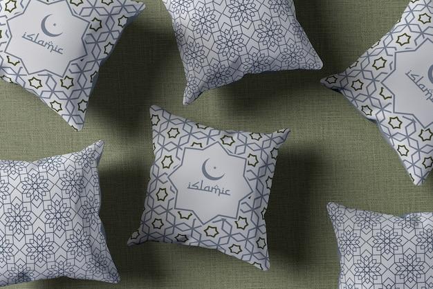 Arreglo plano con almohadas de ramadán