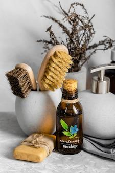 Arreglo de productos de limpieza ecológicos