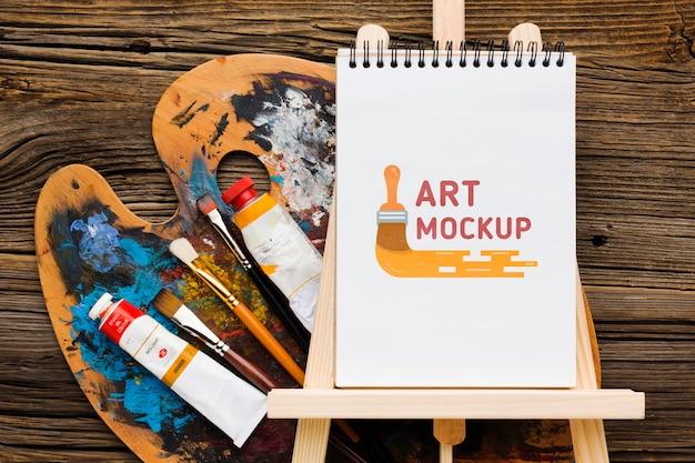 Artist desk concept met