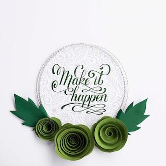Artistiek bloemenframe met positief citaat