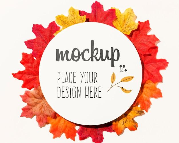 Assortiment kleurrijke herfstbladeren