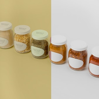Assortiment van kruiden met labelmodel