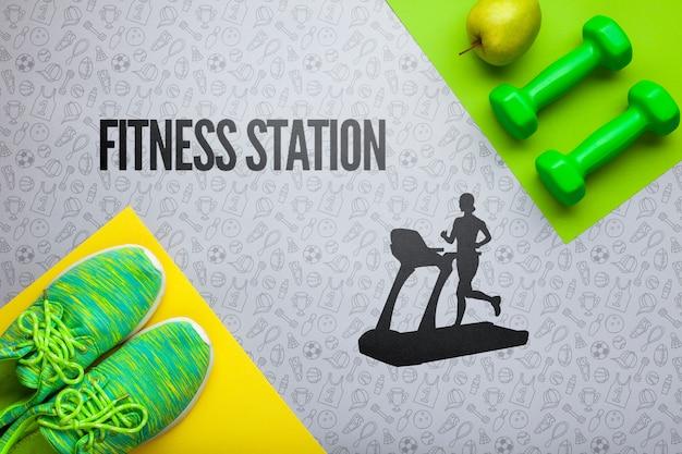 Attrezzature di classe fitness con mela fresca