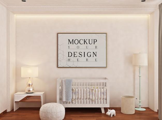 Baby's slaapkamer met mockup posterframe