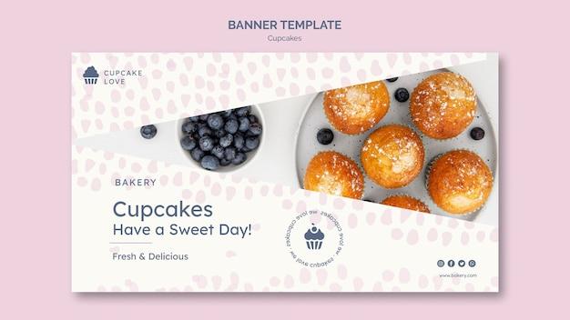 Banner de deliciosos cupcakes con foto