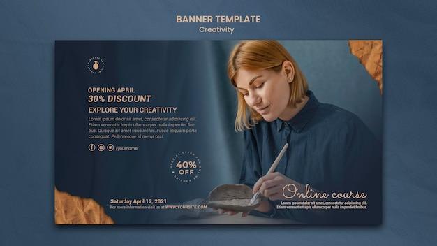 Bannermalplaatje voor creatieve aardewerkworkshop met vrouw