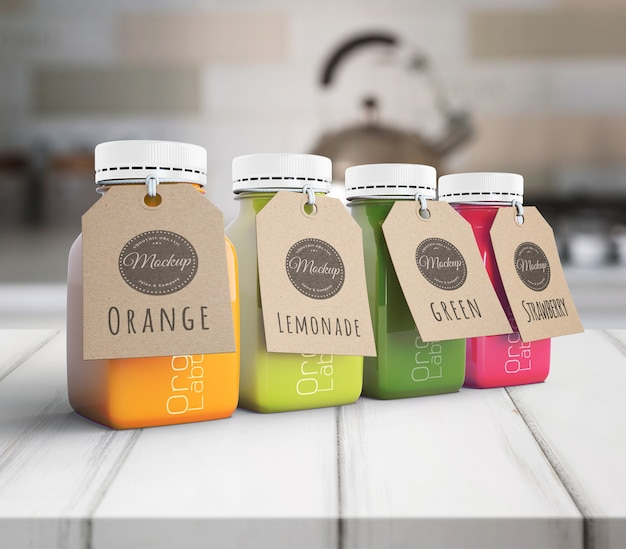 Batidos de alimentación saludable para el concepto de desintoxicación con etiquetas
