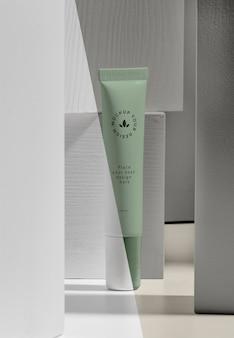 Beauty merk mock-up cosmetica arrangement
