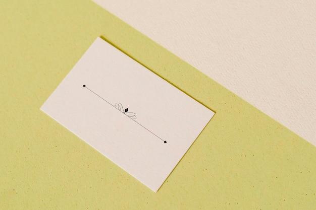 Beige lege ontwerpkaartsjabloon