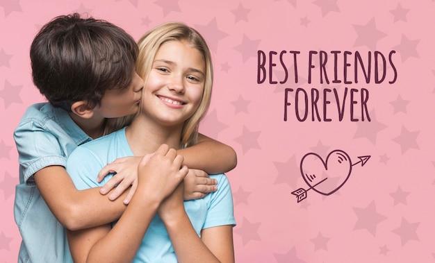 Beste vrienden voor altijd jongen en meisje mock-up