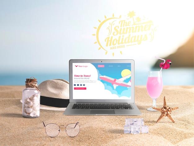 Bewerkbare laptop mockup met zomer elementen