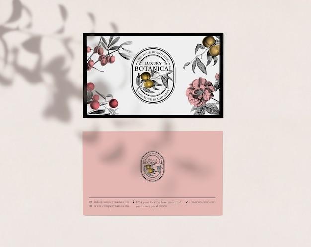 Bewerkbare visitekaartjesjabloon in roze luxe en vintage stijl