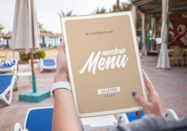 Bifold-brochure restaurantmenumodel