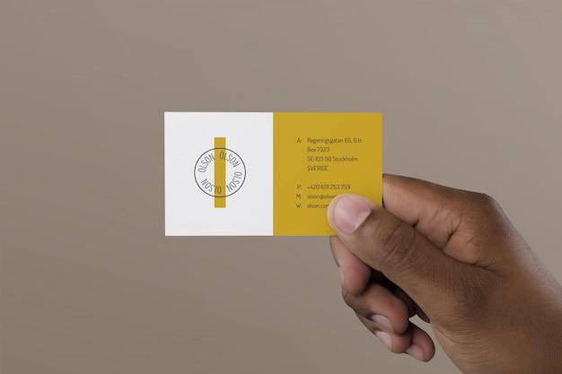 Biglietto da visita della holding della mano