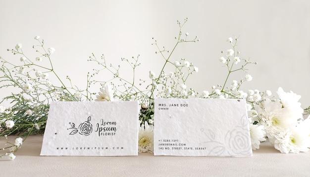 Biglietto da visita floreale mockup