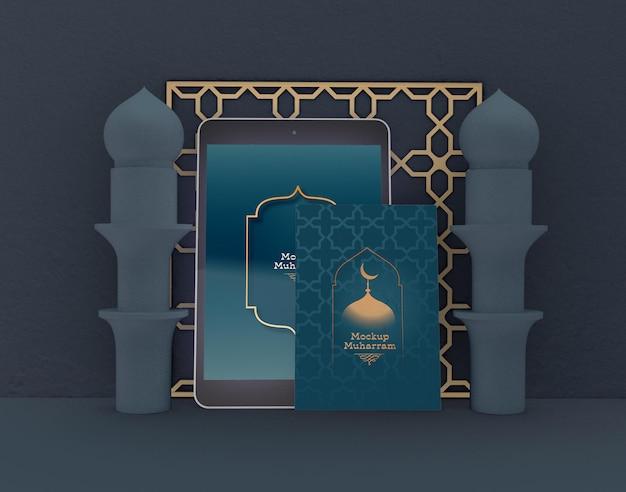 Biglietto di auguri con mockup tablet. eid mubarak. celebrazione della comunità musulmana.