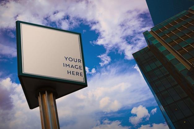 Billboard in een stad mockup