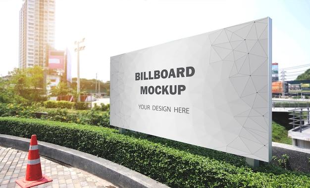 Billboard mockup buiten weergegeven