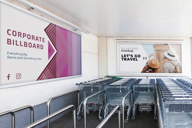 Billboard mockup met winkelwagentjes