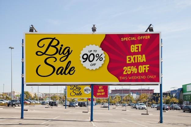 Billboard mockup op parkeerplaats