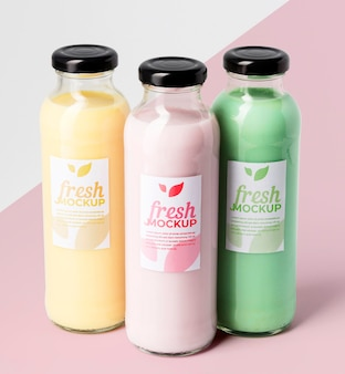 Biologisch fruit smoothie drankje mock-up vooraanzicht