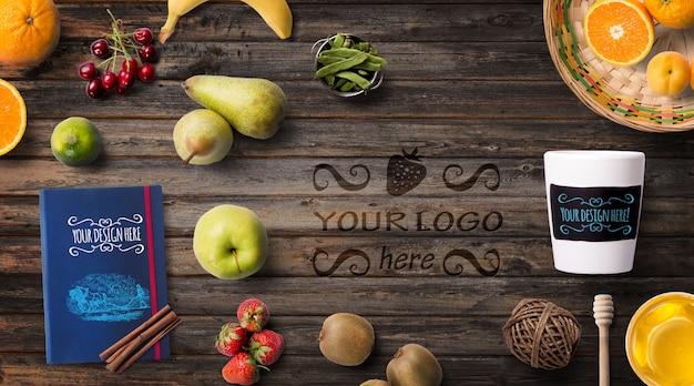 Biologisch voedsel mockup citrusvruchten en receptenboek Premium Psd