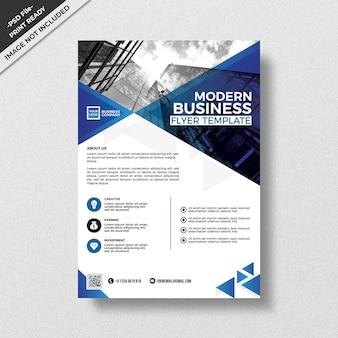 Blauw driehoekig corporate flyer sjabloon voor een patroon