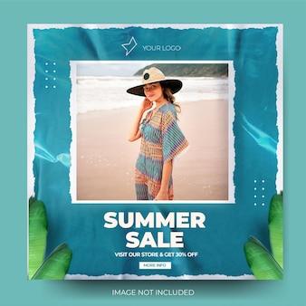 Blauwe moderne verfrommeld papier mode zomer verkoop instagram post feed