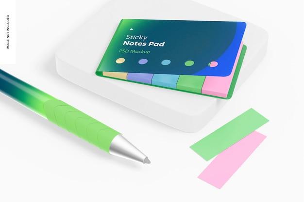 Bloc de notas adhesivas y maqueta de bolígrafo