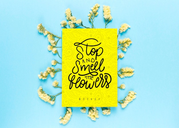 Bloemenmodel met inspirerende boodschap