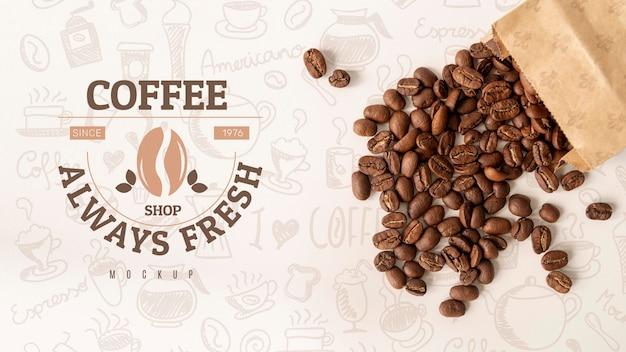 Bolsa plana con granos de café.